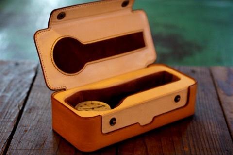 【リスシオ・ヌメ革】腕時計ケース02